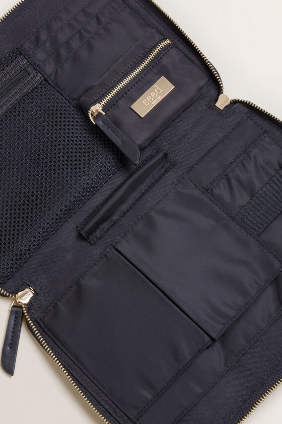 Ultimate Travel Pouch  BLACK  hi-res