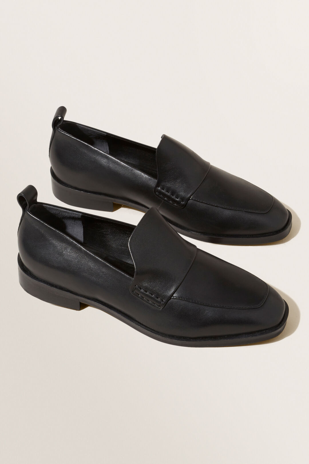 Peta Loafer  BLACK  hi-res