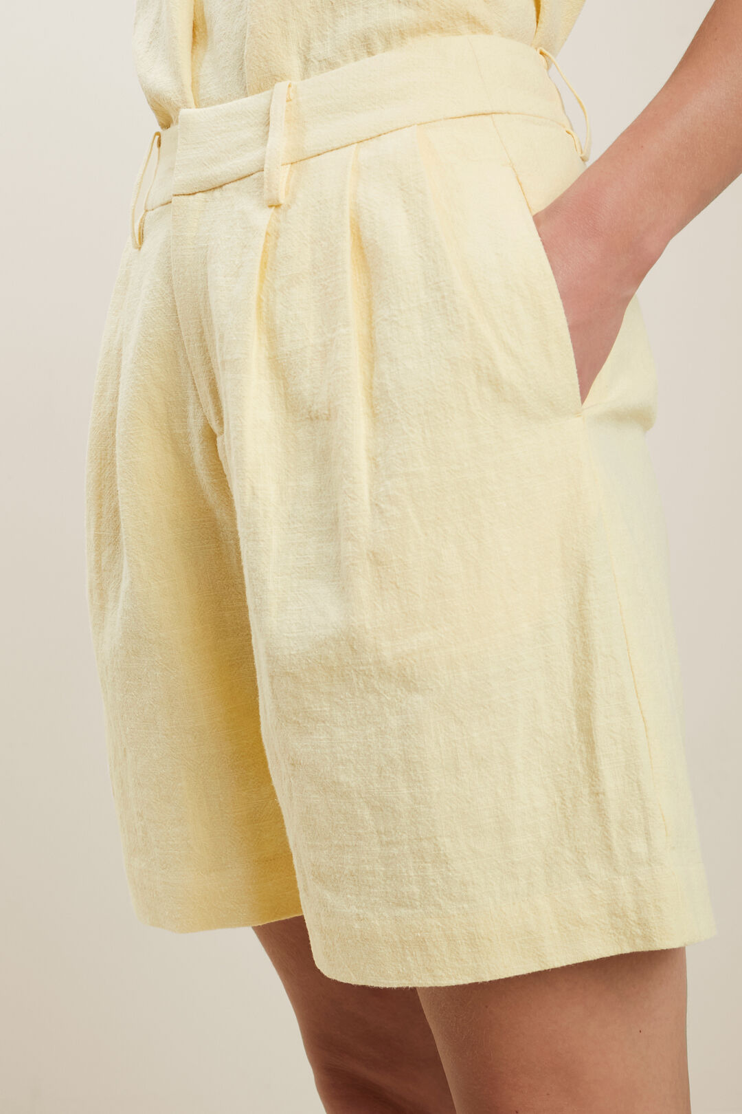 Textured Tailored Short  LIMONCELLO  hi-res