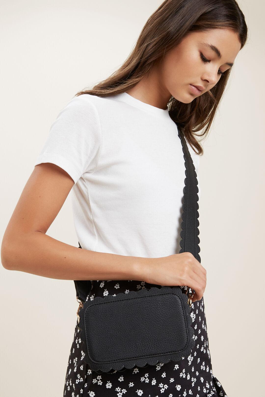 Scallop Edge Bag  BLACK  hi-res
