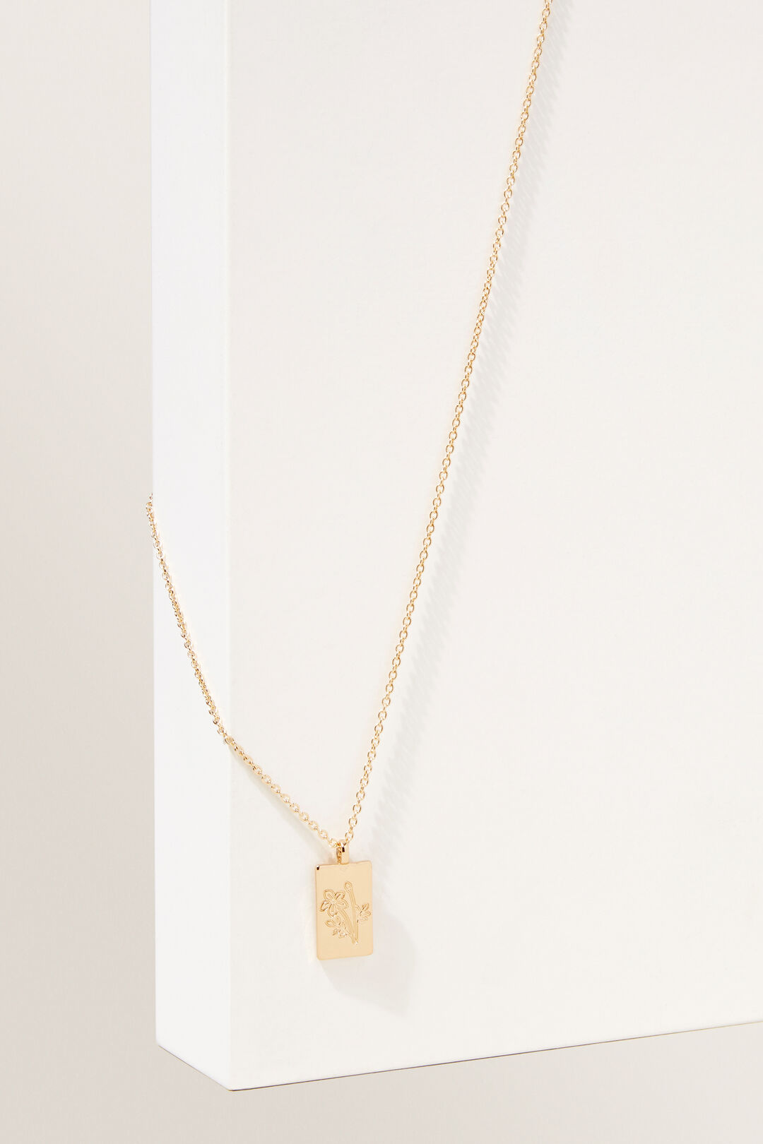 Flower Pendant Necklace  GOLD  hi-res