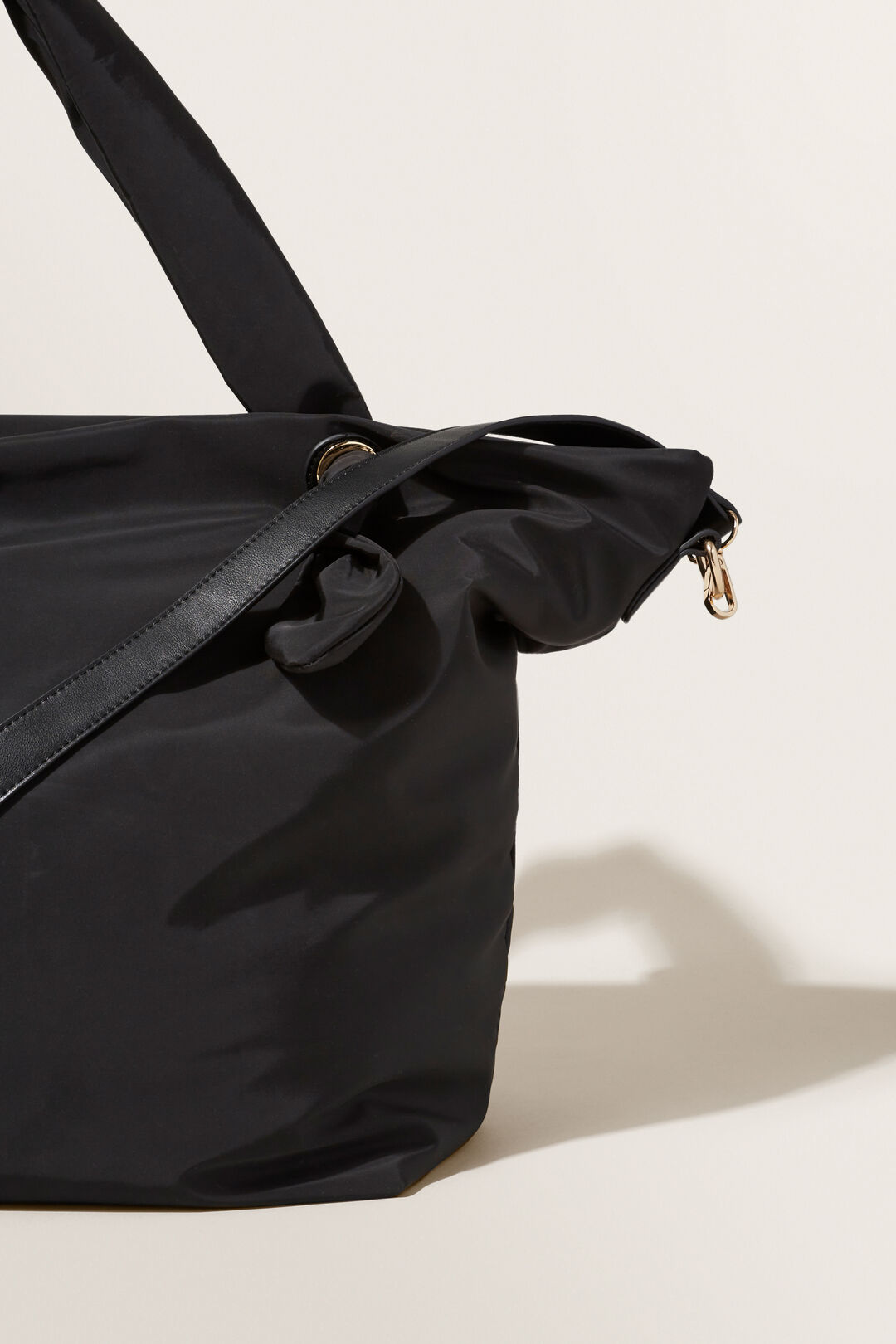 Padded Zip Tote  BLACK  hi-res
