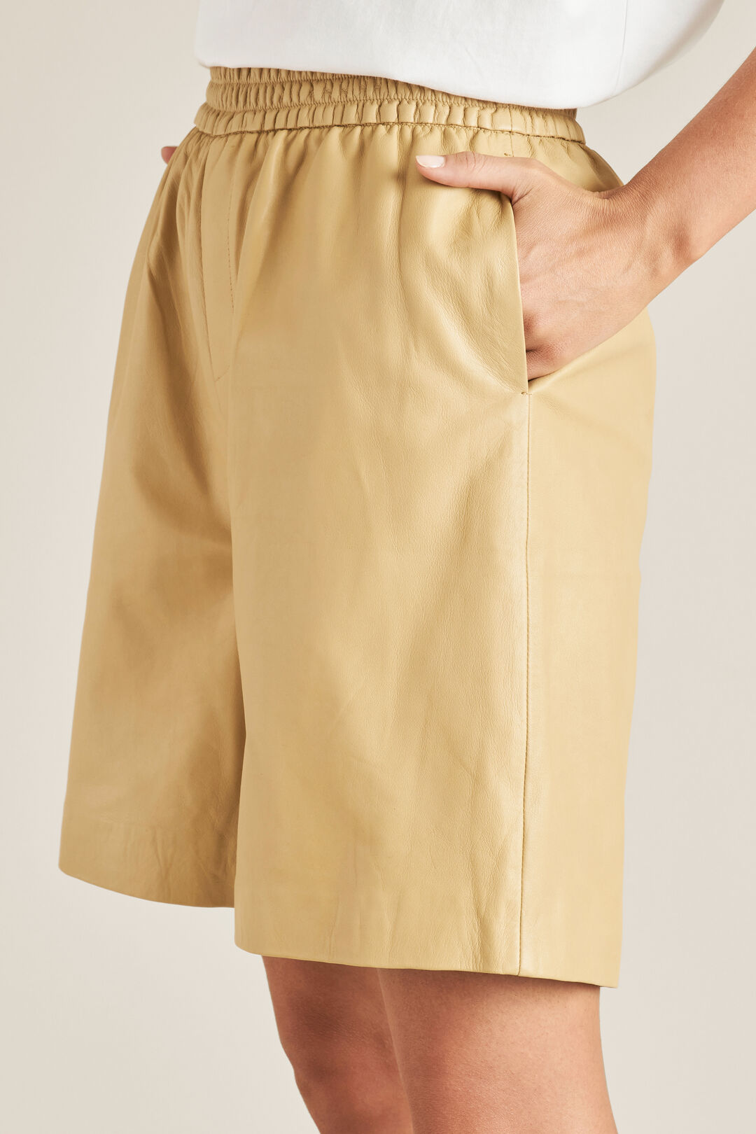Leather Short  FAWN  hi-res