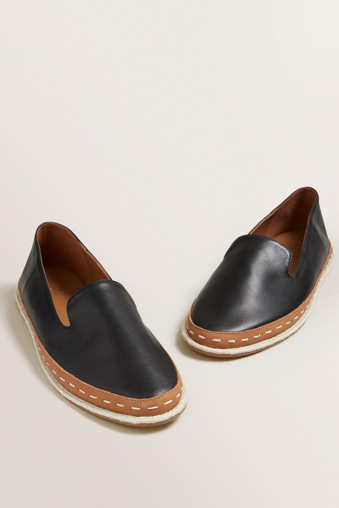 Madison Loafer  BLACK  hi-res