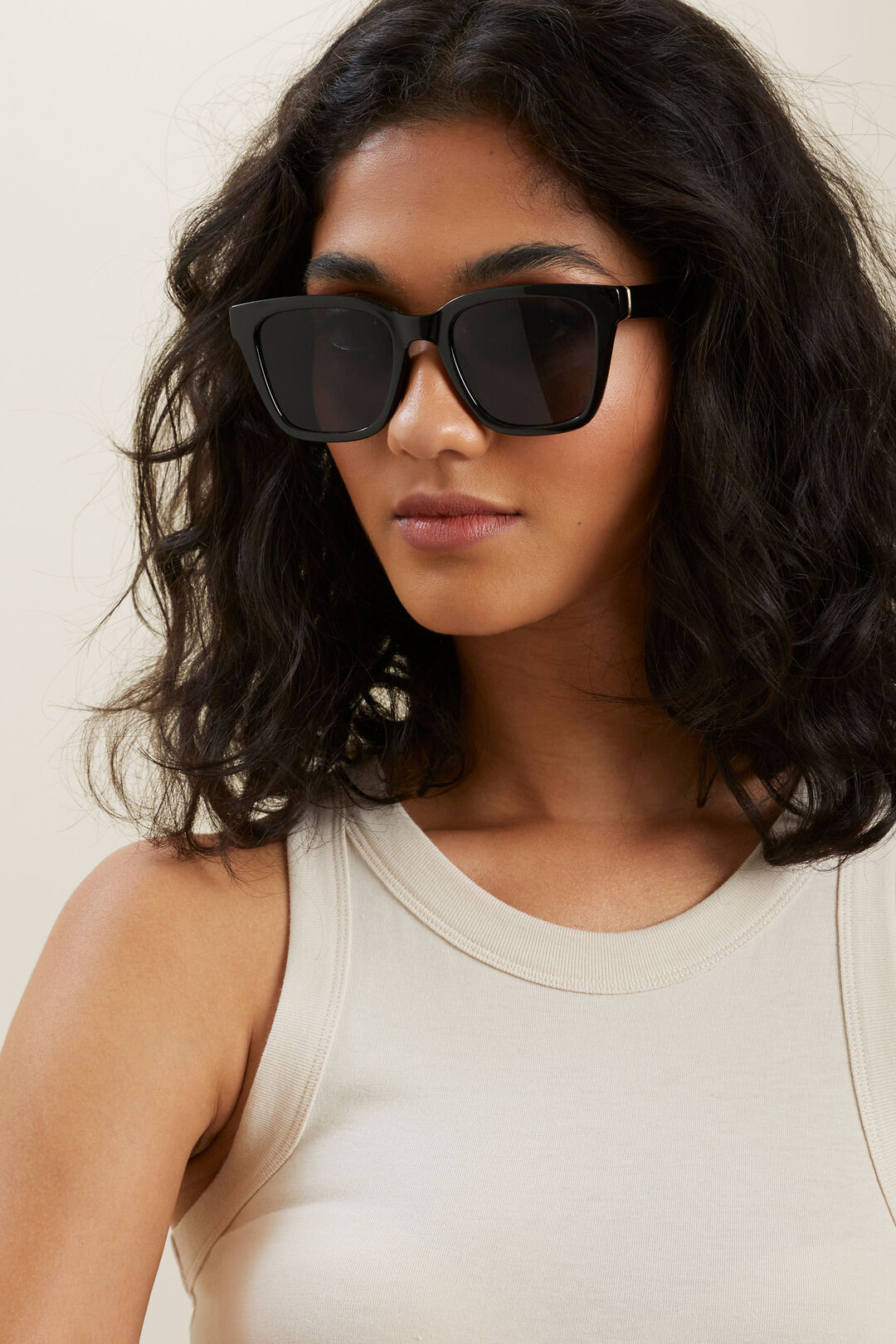 Danielle D Frame Sunglasses  BLACK  hi-res
