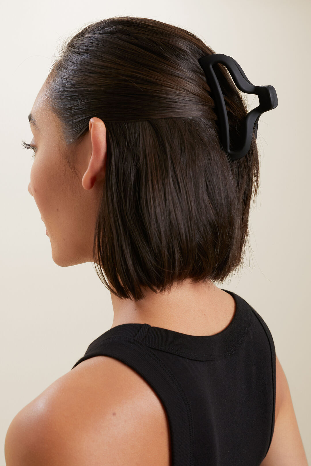 Open Hair Claw  BLACK  hi-res