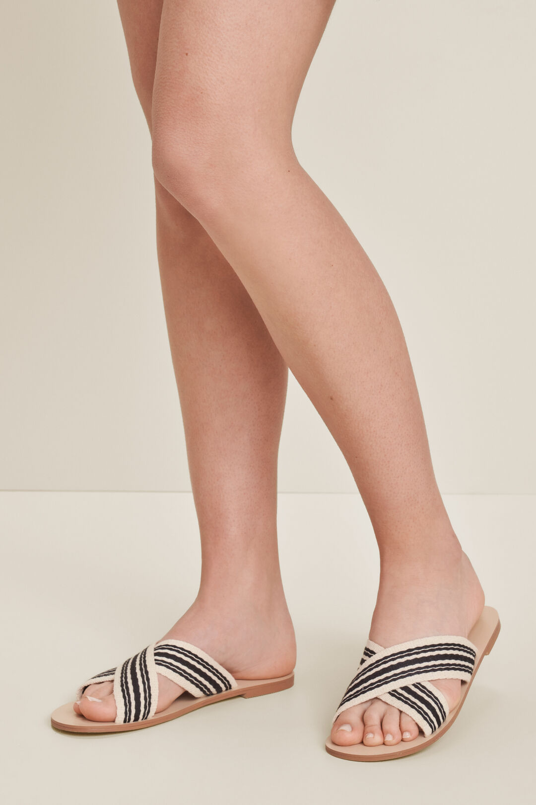Gemma Woven Sandal  BLACK MULTI  hi-res