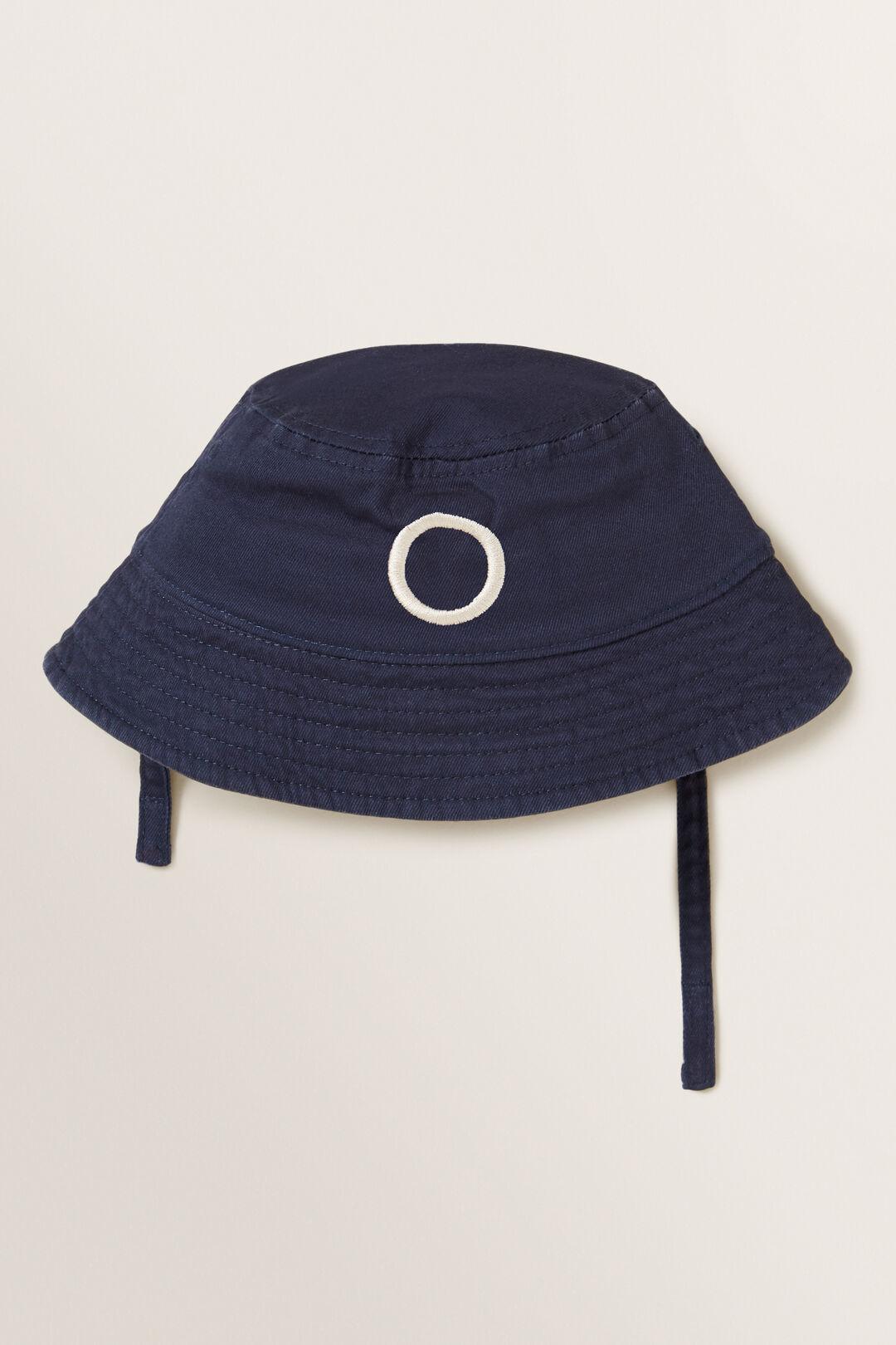 Initial Bucket Hat  O  hi-res