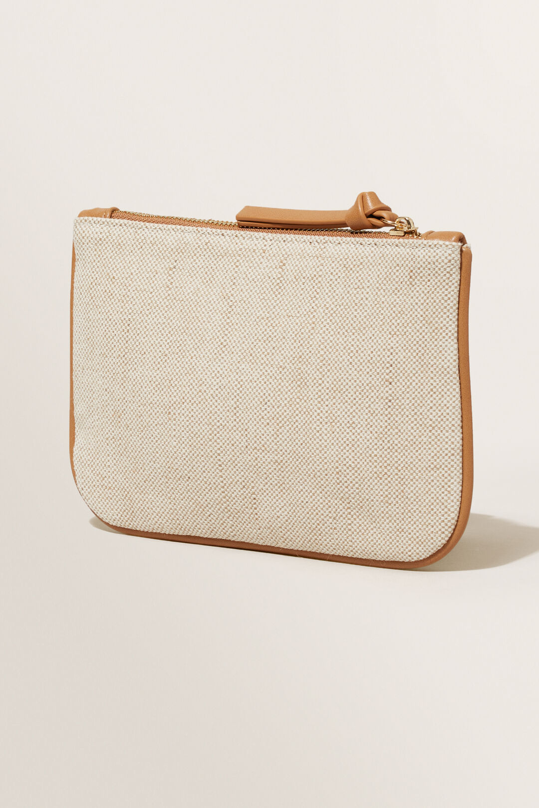 Initial Pouch  R  hi-res