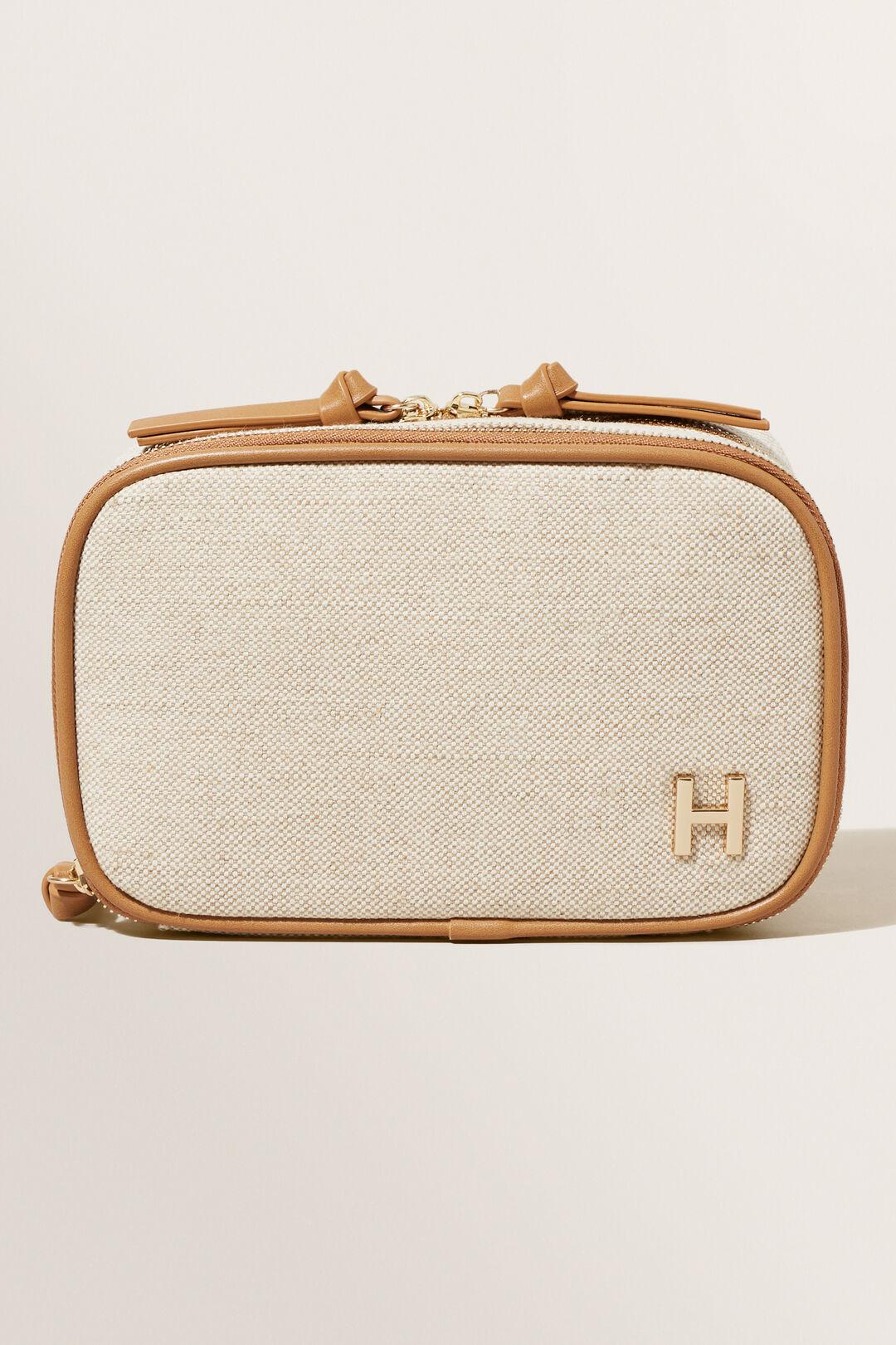 Initial Makeup Case  H  hi-res